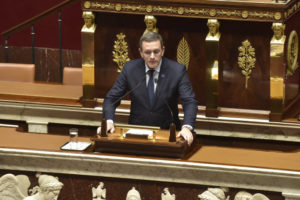 Philippe BOLO le 9 novembre 2017 à l'assemblée nationale, présentant la position du MoDem sur le projet de loi hydrocarbures (fin de la recherche et de l'exploitaation)