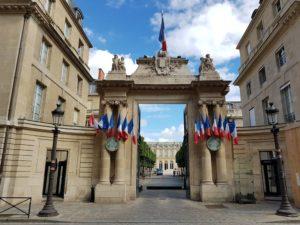 08/2018 - Paris - Entrée de l'Assemblée nationale
