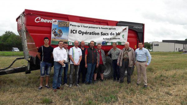 07/2017 - Bécon-les-Granits - opération Un Sac de Blé, avec les Jeunes Agriculteurs