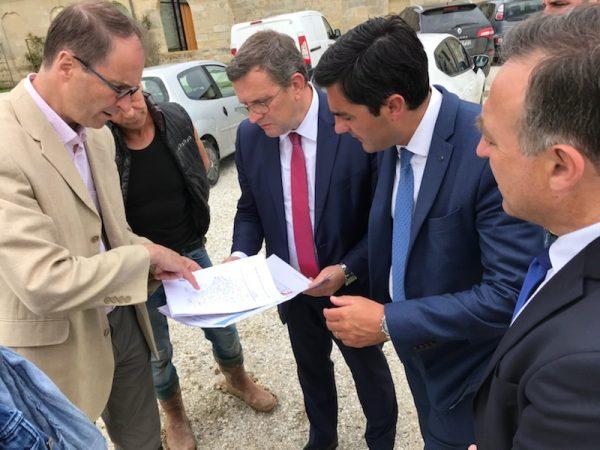 04/2018 - Médoc (Gironde) - Visite d'une exploitation viticole impactée par un orage de grêle dans le cadre du groupe d'études inondations, risques naturels et calamités agricoles