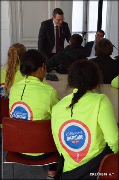 11/2018 - Paris, Assemblée nationale - Temps d'échange avec les coureurs du relais angevin de la mémoire