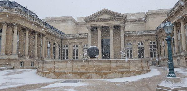 01/2019 - Paris, Assemblée nationale - La cour d'honneur sous la neige