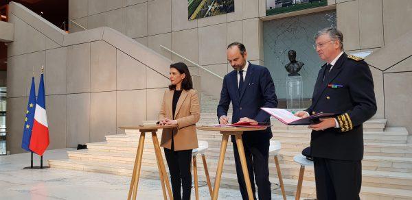 02/2019 - Nantes, Conseil régional - Signature par le Premier Ministre et la Présidente de région du contrat d'avenir des Pays-de-la-Loire