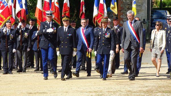 06/2019 - Brissac-Quincé - Cérémonie de remise des fanions aux groupements de gendarmerie de Maine-et-Loire