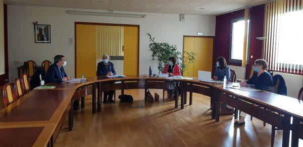 04/2021 - Ombrée-d'Anjou, Combrée - Réunion de présentation des projets d'habitat sénior de l'association Habit'Âge